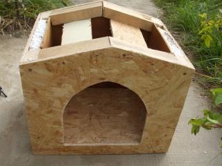 a tető - előlről - kutyaól