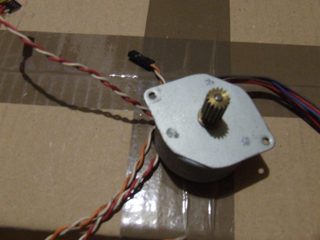 Léptetőmotor (stepper motor)